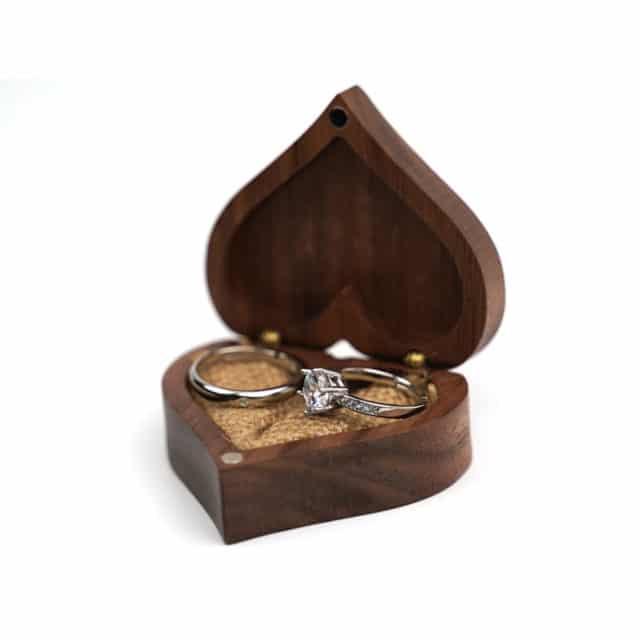 Dřevěná krabička na prstýnky – Jirair